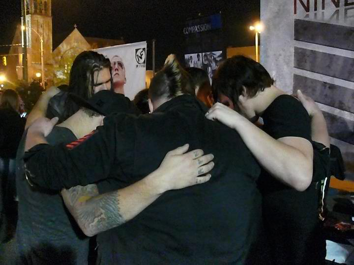 Nine Lashes praying